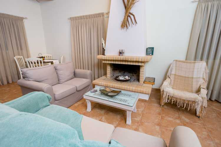 alisahni finikounda accommodation